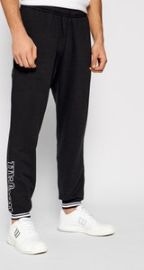 Czarne spodnie sportowe Wilson z dresówki w sportowym stylu