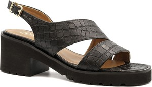 Czarne sandały Neścior na obcasie z klamrami ze skóry