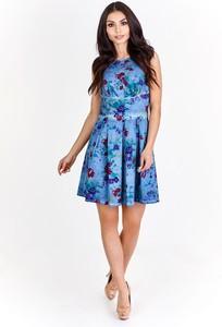 Niebieska sukienka Fokus z okrągłym dekoltem