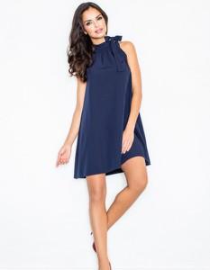 Niebieska sukienka Figl bez rękawów mini trapezowa