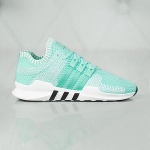 Miętowe buty sportowe adidas