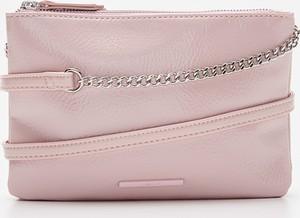 Różowa torebka House na ramię średnia w stylu glamour