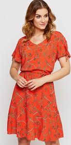 Sukienka Kaskada mini w stylu casual