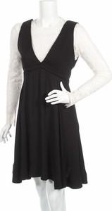 Czarna sukienka Sandro rozkloszowana na ramiączkach w stylu casual