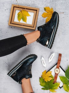 Sneakersy Aclys na platformie