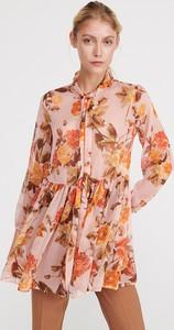 Sukienka Reserved z długim rękawem z żabotem