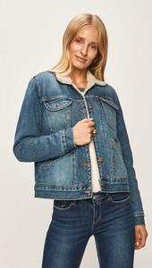 Kurtka Wrangler z jeansu w młodzieżowym stylu