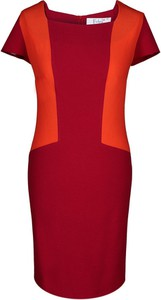 Czerwona sukienka Fokus z dekoltem w karo z rubinem z tkaniny