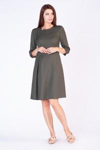 Zielona sukienka butik-choice.pl z okrągłym dekoltem