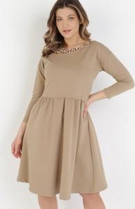 Brązowa sukienka born2be w stylu casual