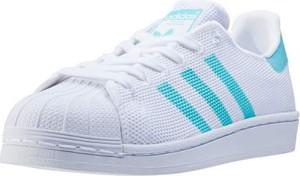 Sneakersy Adidas Originals z płaską podeszwą z nadrukiem