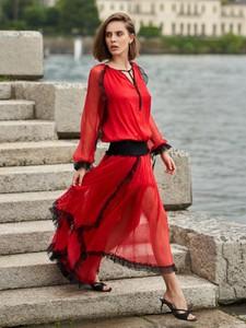 Sukienka byCabo z jedwabiu asymetryczna z dekoltem w kształcie litery v