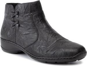 Czarne botki Rieker z płaską podeszwą w stylu casual na zamek