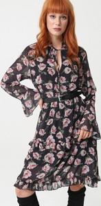 Sukienka born2be rozkloszowana w stylu casual midi