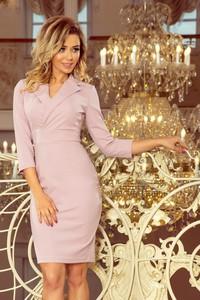 9b66b71171 Różowa sukienka NUMOCO z długim rękawem midi kopertowa