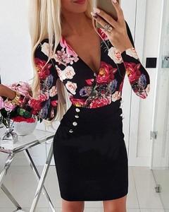 Sukienka Kendallme z dekoltem w kształcie litery v dopasowana mini