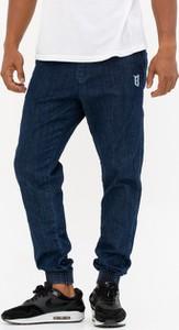 Niebieskie jeansy Bor