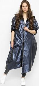 Granatowy płaszcz Freeshion z tkaniny