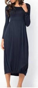 Sukienka Meleksima oversize w stylu casual z okrągłym dekoltem