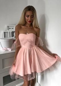 a21d4546 tiulowe sukienki moda - stylowo i modnie z Allani