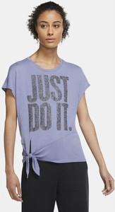 Niebieski t-shirt Nike z krótkim rękawem w sportowym stylu z okrągłym dekoltem