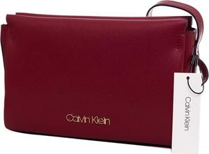 Czerwona torebka Calvin Klein z aplikacjami mała