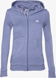 Niebieska bluza Adidas w sportowym stylu
