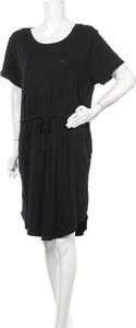 Czarna sukienka Just Jeans w stylu casual z okrągłym dekoltem mini