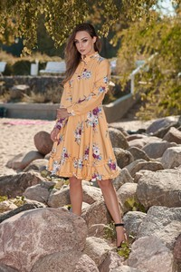 Sukienka Lemoniade z żabotem