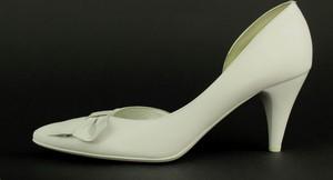 Czółenka Kotyl ze spiczastym noskiem ze skóry w stylu klasycznym