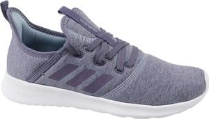 Fioletowe buty sportowe Adidas sznurowane w sportowym stylu