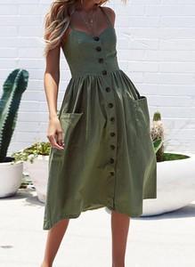 Zielona sukienka Arilook midi dopasowana