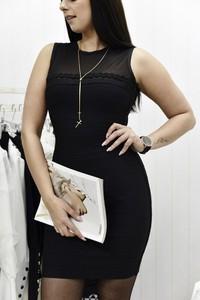 Czarna sukienka Fason mini z okrągłym dekoltem