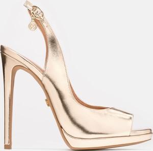 Sandały Kazar z klamrami w stylu glamour