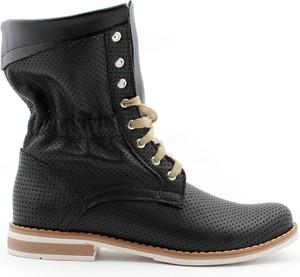 Czarne botki Zapato z płaską podeszwą w rockowym stylu sznurowane