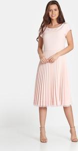 Różowa sukienka Marcelini z krótkim rękawem