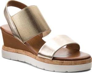 283750b6 Złote sandały na koturnie wyprzedaż, kolekcja wiosna 2019