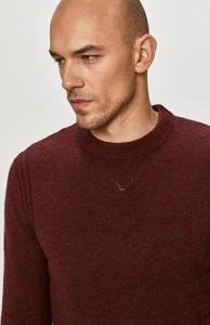 Sweter Calvin Klein z okrągłym dekoltem w stylu casual