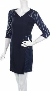 Niebieska sukienka Women Dept prosta z długim rękawem