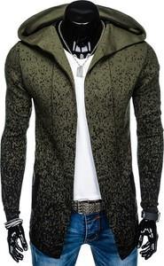 Zielony sweter inny w młodzieżowym stylu