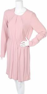 Różowa sukienka Minimum w stylu casual z okrągłym dekoltem
