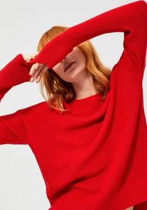 Czerwony sweter Moodo w stylu casual