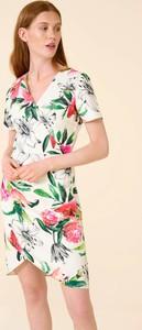 Sukienka ORSAY mini w stylu casual z dekoltem w kształcie litery v
