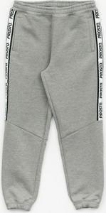 Spodnie sportowe Prosto. z żakardu