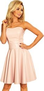 Różowa sukienka NUMOCO rozkloszowana mini ze skóry ekologicznej