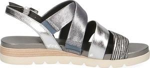 Sandały Caprice w stylu casual na platformie