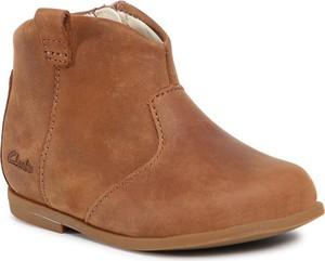Brązowe buty dziecięce zimowe Clarks