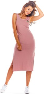 Różowa sukienka Infinite You z bawełny z okrągłym dekoltem dopasowana