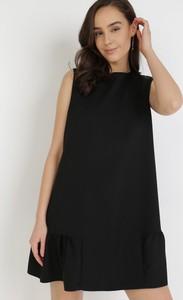 Czarna sukienka born2be bez rękawów mini trapezowa