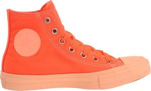 Pomarańczowe trampki Converse sznurowane z zamszu w sportowym stylu